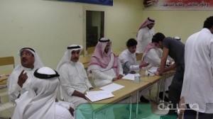 جانب من عمليات الفحص للطلاب