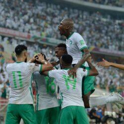وزير الرياضة يبارك للاعبي الأخضر الفوز على الصين