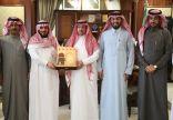 محافظ الخفجي يعرض المشروعات الجديدة في المحافظة ويدعو رجال الأعمال للاستفادة منها