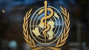 «الصحة العالمية» توضح ما يُحدثه لقاح كورونا بالجسم