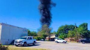 سقوط طائرة عسكرية بمنطقة سكنية في تكساس الأمريكية