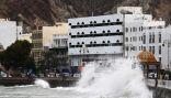الإعصار شاهين يضرب سلطنة عمان ويقتل 3 أشخاص