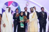 #دبي : المخترعة السعودية خلود العباسي تحصد جائزة الشيخة فاطمة المبارك في التميز والإبداع