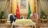 #الرياض : الملك يبحث مع رئيس وزراء تركيا أوضاع المنطقة